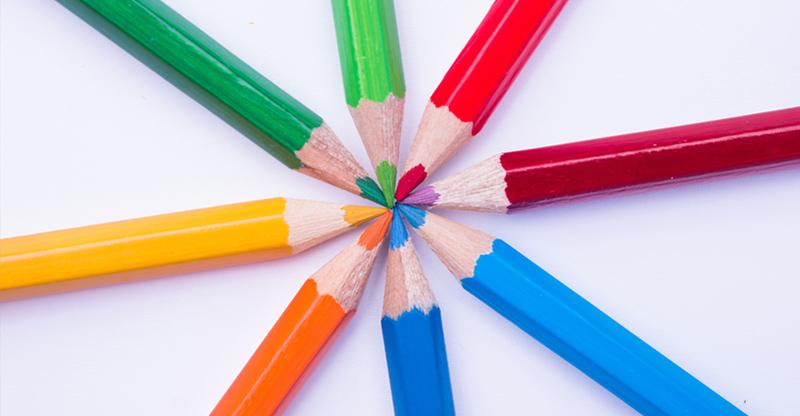 Jak kolory zasłon mogą oddziaływać na nasze samopoczucie?